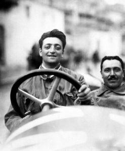 - Enzo Ferrari alla Targa Florio del 1920. - L'auto e una Alfa Romeo 40-60 HP Tipo Corsa (4 cilindri in linea, biblocco). - Prima gara di Ferrari con l'Alfa. - Si classifico al 2° posto assoluto (1° di categoria).
