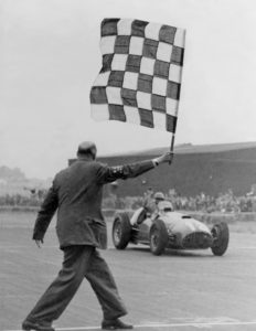 - Prima vittoria Ferrari in un GP valido per il Campionato del Mondo Formula 1.
