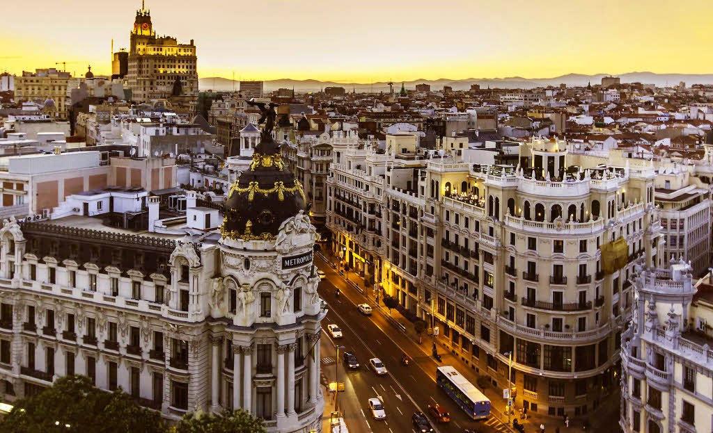 Planes románticos en Madrid: Azotea del Círculo de Bellas Artes.