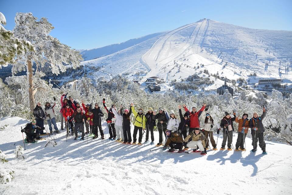Nieve con niños en sierra de Madrid