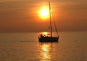 Regalar puestas de sol en velero