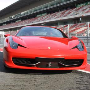 Conducir un Ferrari F458 F1 ITALIA + Vuelta en Hummer (10 Circuitos)