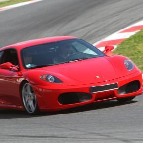 Dos Vueltas en Ferrari F430 F1 + Vuelta en Hummer (11 Circuitos)